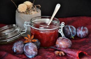 Tarro de mermelada de uvas