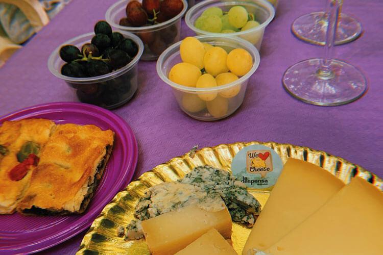 Cata de uva con quesos y vino